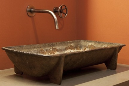 смесители и сантехника для ванной комнаты в деревенском стиле