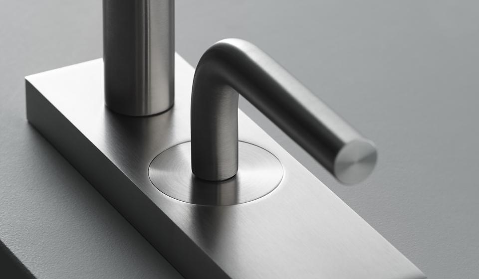 Quadro design смесители в стиле минимализм из нержавейки