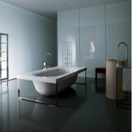 Kaos 1 Kos ванна с внешним каркасом хром