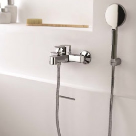 1682/FX19 1 H2VIP Смеситель для ванны настенный с ручным душем цвет хром