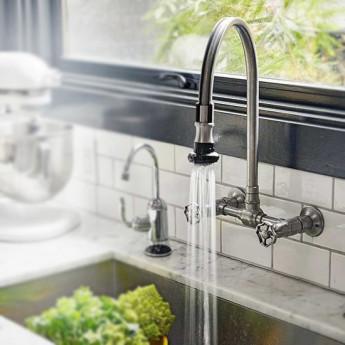 Смеситель для кухни на 2 отверстия настенный в классическом стиле с гибким (подвижным) шлангом излива Jaclo, хром, матовая сталь