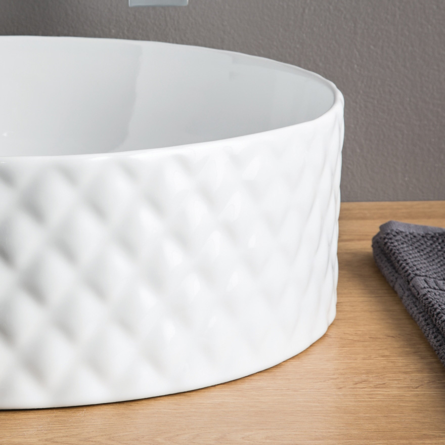 Цена указана за OSL010 MILLERIGHE ArtCeram в белом цвете, остальные по запросу.